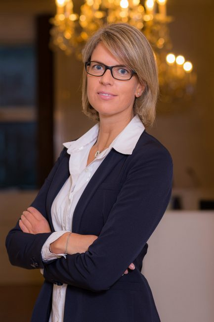 Rechtsanwältin-Dr-Michaela-Jahn-Portrait01